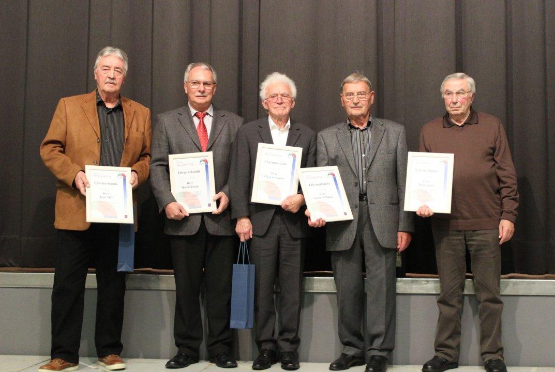 Ehrung Klaus Schneider beim Ehrenabend der Gemeinde Walzbachtal